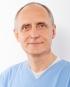 Portrait Dr. Volker Ludwig, Zahnarztpraxis Dr. Ludwig und Kollegen, Fürth, Zahnarzt, Implantologie: Knochenaufbau, Kinderzahnheilkunde, Endodontie (Mikroskop)