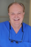Portrait Dr. Rüdiger Schrott, Zahnarztpraxis Dr. Schrott & Kollegen, Kompetenz durch Spezialisierung, Nürnberg, Zahnarzt
