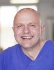 Portrait Dr. Lorenz Holtwick, Gemeinschaftspraxis für Mund-, Kiefer-, Gesichtschirurgie im St. Ansgar-Krankenhaus, Dr. Lorenz Holtwick, Norbert Drews & Partner, Höxter, Zahnarzt, Mund-Kiefer-Gesichtschirurg (Facharzt für Mund-Kiefer-Gesichtschirurgie), Oralchirurg (Fachzahnarzt für Oralchirurgie)
