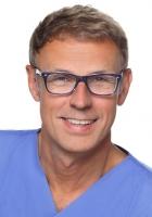 Portrait Prof. Dr. Hans-Peter Jöhren, Zahnklinik Bochum, Therapiezentrum für Zahnbehandlungsangst, Bochum, Zahnarzt, Oralchirurg (Fachzahnarzt für Oralchirurgie)