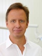 Portrait Dr. med. dent. Marcus Nowak, Berlin, Zahnarzt, Oralchirurg (Fachzahnarzt für Oralchirurgie), Master of Science Implantologie, , Master of Science Orale Chirurgie