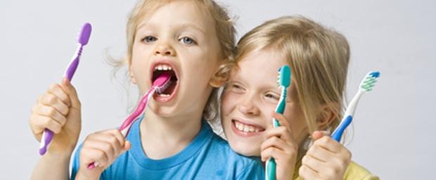 Zähne richtig putzen, Zähneputzen, Richtige Zahnputztechnik