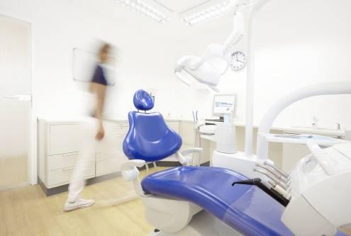 , Dr. Thomas Röder, Zahnarztpraxis in Wetzlar Dr. Thomas Röder & Kollegen, Ihr freundlicher Zahnarzt, Wetzlar, Zahnarzt, Kieferorthopäde (Fachzahnarzt für Kieferorthopädie), Oralchirurg (Fachzahnarzt für Oralchirurgie), Implantologie, Parodontologie, Ästhetische Zahnheilkunde